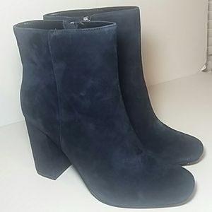 NIB CHARLES DAVID BLUE SUEDE BOOTS SIZE 7.5M